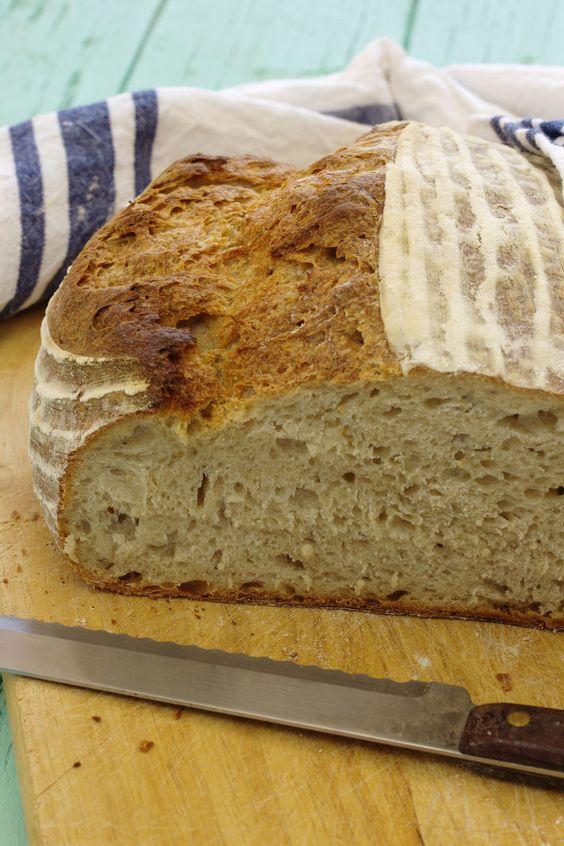 Pão de mistura com massa-mãe e fermentação longa