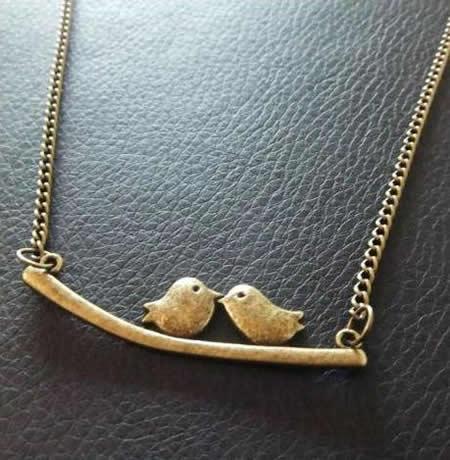 Um colar amoroso
