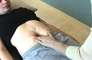 Mulher com diástase do reto abdominal