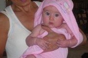Bebé com toalha